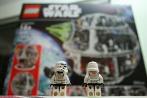 300_200_storm_trooper_death_star